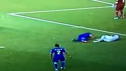 Luis Suarez BITES Giorgio Chiellini! Italy 0-1 Uruguay - Wor
