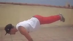 OMG! Look at these Decline PUSHUPS