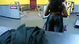 CAUGHT ON CAM! GUESS Which R&B Diva We Caught At The Gym Working Out