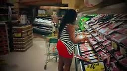 Dangerus Diva shopping for food to cook for dinner