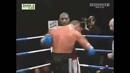 Boxer dislocates his shoulder during a fight... look at what happens next!!