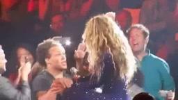 Fan ALMOST Faints when meeting Beyonce