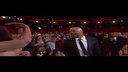 Common left Oprah hanging at the Oscars and it's painful to watch