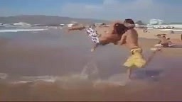 HAHA WWE Wrestling Fans Watch this RTKO at the beach