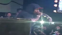 Lil Wayne Says FREE Weezy &  'Fuck Cash Money'