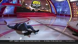 LOL! Shaq FALLS down on the TNT set during halftime of the Rockets vs. Clippers.
