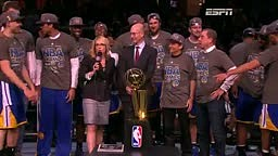 The Warriors Receive the 2015 Championship Trophy