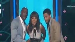 Nicki Minaj Wins Best Female Hip Hop BET AWARDS 2015