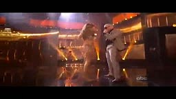 Jennifer Lopez caused erection in Pitbull at ama performance