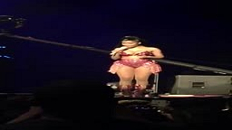 Nicki Minaj Disses ex Bf Safaree BADDDD during concert In Toronto!