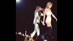Taylor Swift and Fetty Wap Perform 'Trap Queen' Live in Seattle! [1989 World Tour]