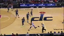 EMBARRASSING! Otto Porter DRIBBLES BETWEEN DEFENDER'S LEGS, Makes Offender FALL With a LAYUP!