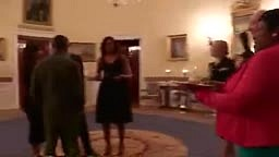 POTUS Barack & Michelle Obama Sing Happy Birthday To Usher