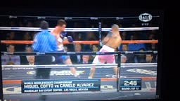 Canelo VS Cotto Fight Rd 3