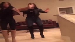Niecy Nash and daughter show their dancing skills