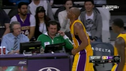 UGHH!! Kobe Bryant Pops Dislocated Finger Back in During Game