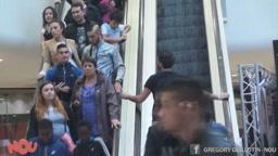 Escalator PRANK- I'm sorry I love you