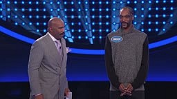 Snoop Dogg's CRAZY Fast Money! Celebrity Family Feud
