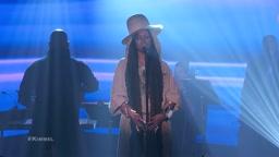 Nas and Erykah Badu Perform
