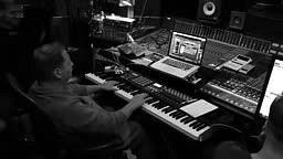 Scott Storch plays Busta Rhymes Break ya neck on piano
