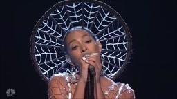 Solange KILLS Cranes In The Sky On SNL Live Performance
