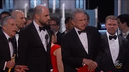 Oscars pull a Steve Harvey Miss Universe moment