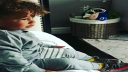 Swizz Beats And Alicia Keys' 2 year Old Son Genesis Beatboxes And Raps Already
