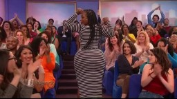 Wendy Wiilliams spots SUPER THICK Stripper in audience has her TWERK for The Wendy Show