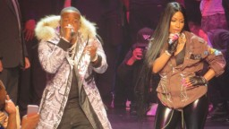 Nicki Minaj & Yo Gotti Perform Rake it Up for the FIRST time (NYFW 17)