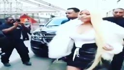 Nicki Minaj tells Bodyguard to MOVE out of her way for paparazzi photos
