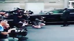 Nicki Minaj tells Bodyguard to MOVE out of her way for paparazzi photos
