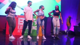 FANS have Dance Contest to Rihanna Wild Thoughts BET AWARDS