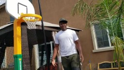 Ap 1nabillion challenges Steph Curry to a TRICK SHOT basketball game of HORSE