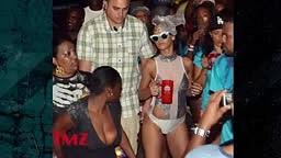 Rihanna Be Grindin'!