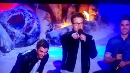 WTF! Seth Rogen Makes Out With His Mom at 2014 Mtv Movie Awards