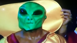 Bernard Hopkins Wears Alien Mask to the ring vs Shumenov