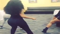 K Michelle Twerking AGAIN!